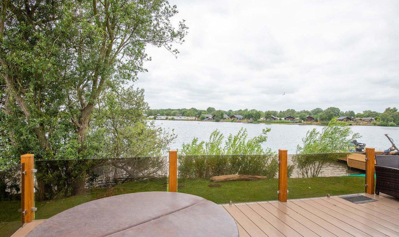 Indulgent Lakeside Lodge image